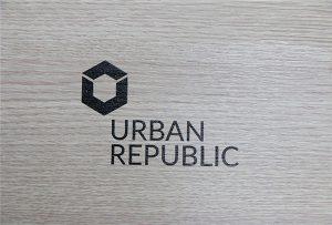Друк логотипу на деревних матеріалах WER-D4880UV